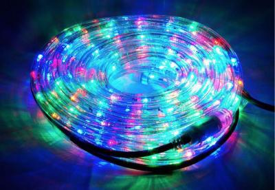 Pestrý sortiment světelných kabelů