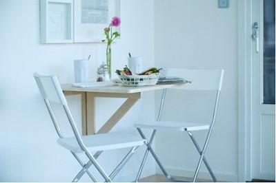 Nástěnný sklopný stolek, zdroj: ikea.cz