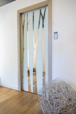 Posuvné dveře a stěny