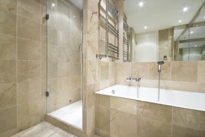 Vyzděný sprchový kout, zdroj: shutterstock.com